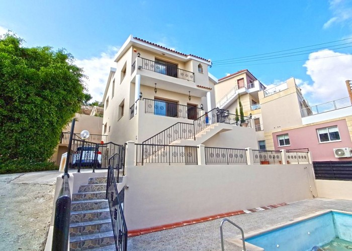 Detached Villa For Sale  in  Yeroskipou