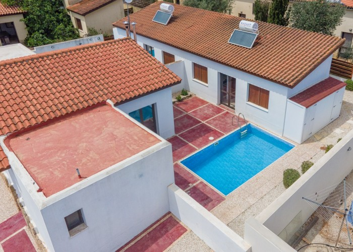 Bungalow For Sale  in  Droushia
