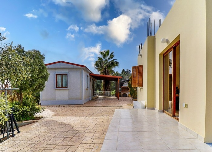 Bungalow For Sale  in  Drymou