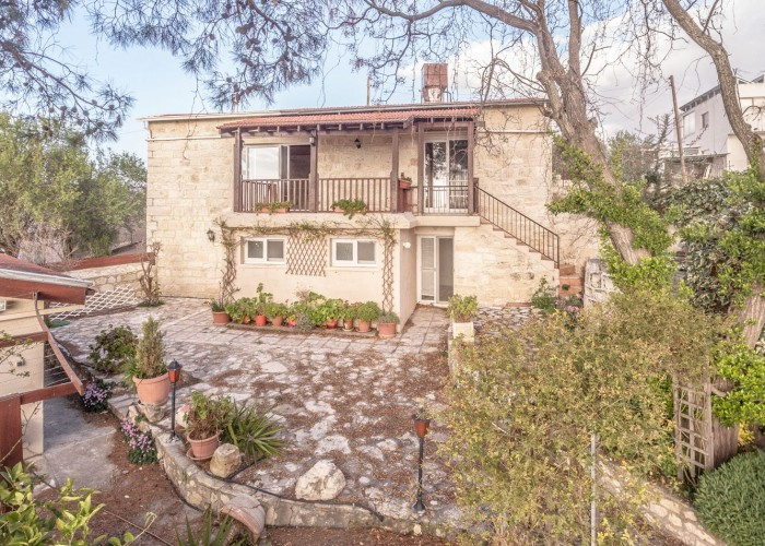 Stone House For Sale  in  Agios Dimitrianos