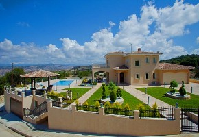 Detached Villa For Sale in Stroumbi, Paphos - 2513