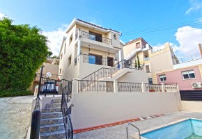 Detached Villa For Sale in Yeroskipou, Paphos - 2531