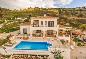 Detached Villa For Sale in Fyti, Polis - 2395