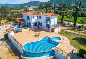 Detached Villa For Sale in Argaka, Polis - 2604