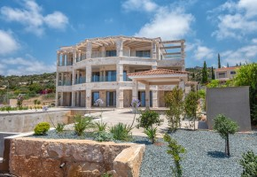 Detached Villa For Sale in Sea Caves, Paphos - 2614
