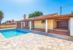 Bungalow For Sale in Polemi, Paphos - 2641