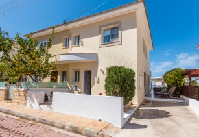 Semi Detached Villa For Sale in Argaka, Polis - 2670