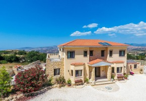 Detached Villa For Sale in Stroumbi, Paphos - 2183