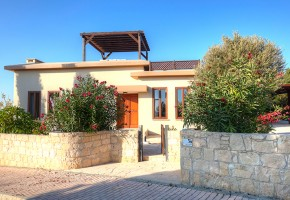 Detached Villa For Sale in Aphrodite Hills, Paphos - 2301