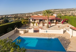 Detached Villa For Sale in Sea Caves, Paphos - 2385